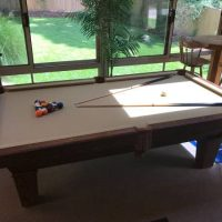 Immaculate Gandy 9'' Slate Pool Table