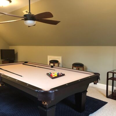 9 Ft Olhausen Billiards Table with Accessories